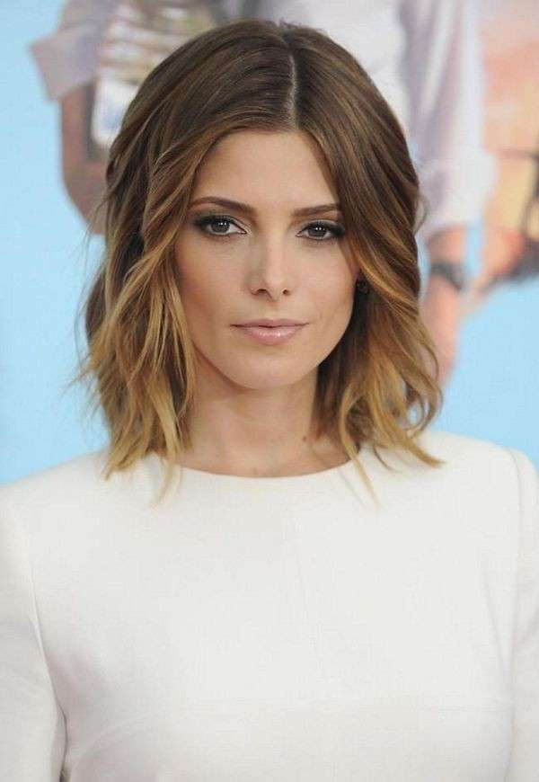 16Ashley-Greene-with-Beautiful-Ombre-Lob-2015-Medium-Hairstyles-for-Wavy-Hair[1]