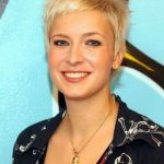 37Shaggy-Short-Hair-Style-2015-Very-Short-Hairstyles-for-Feminine[1]