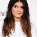 62Kylie-Jenner-Casual-Black-to-Brown-Ombre-Hair-for-Round-Faces[1]