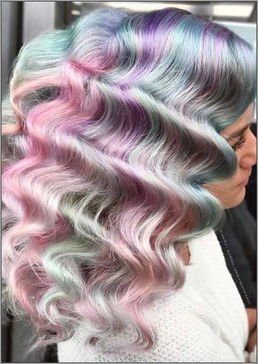 Obrovské vlny, veľa pastelových farieb