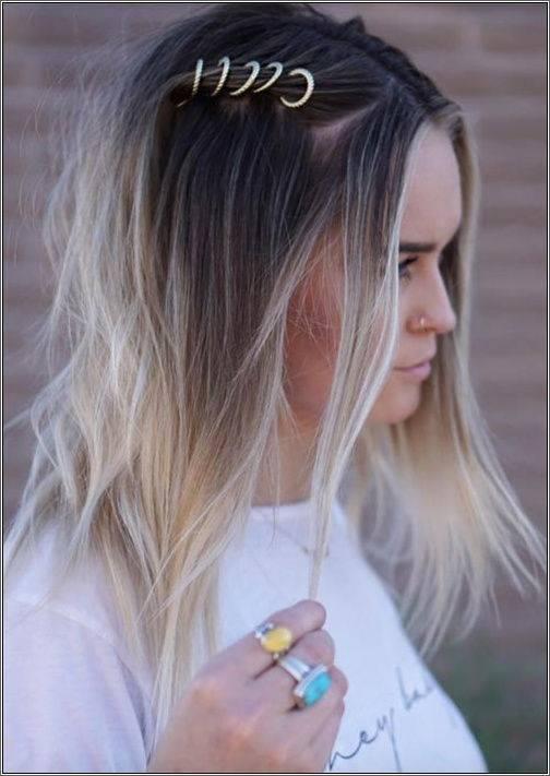 22.Stredne dlhé vlasy obohatené o vlasové krúžky