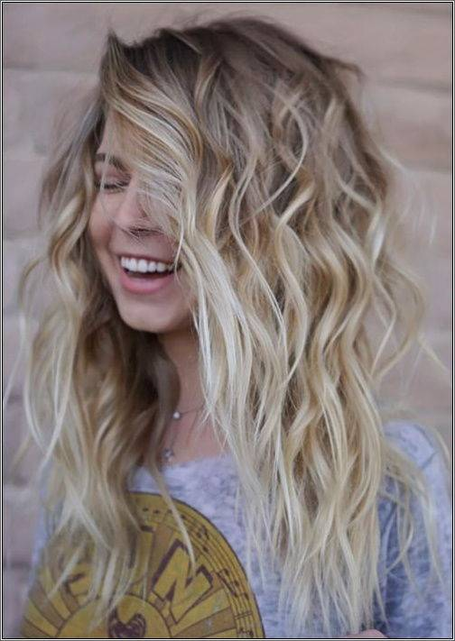 BOHO blond - kučeravé stredne dlhé vlasy